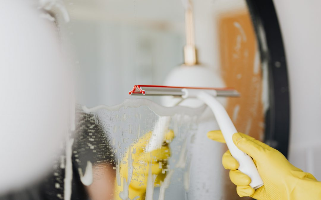 Glass cleaning tips for cleaning your home office during lockdown